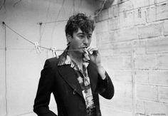 Avant le rockeur mélancolique, le crooner romantique...