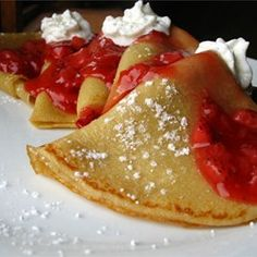 This delicious filling for crepes is a great, unique way to use up leftover chicken or turkey. Prepare a basic crepe recipe in advance. Crepes can be made and frozen up to several weeks ahead of time. Breakfast And Brunch, Breakfast Recipes, Pancake Recipes, Breakfast Ideas, Mexican Breakfast, Breakfast Sandwiches, Breakfast Pizza, Waffle Recipes, Breakfast Bowls