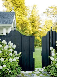 5 Staggering Diy Ideas: Fence Stain Planter Boxes fence and gates art.Fence And Gates Photo Galleries front fence benches. Front Yard Fence, Fence Gate, Diy Fence, Small Fence, Horizontal Fence, Pallet Fence, Farm Fence, Front Yards, Fence Landscaping