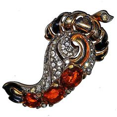 Vintage Trifari Amber Colored Stones Paisley Clip Pin Brooch