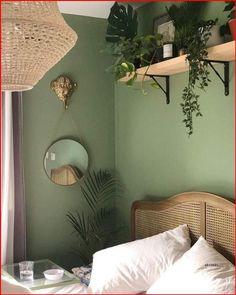 Green Bedroom Walls, Sage Green Bedroom, Green Rooms, Room Ideas Bedroom, Bedroom Colors, Home Decor Bedroom, Green Master Bedroom, Green Bedroom Design, Light Green Walls