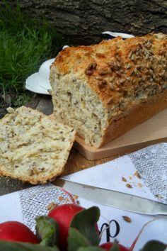 chleb owsiany na drożdżach Bulgarian Recipes, Happy Foods, Banana Bread, Good Food, Food And Drink, Gluten Free, Baking, Breakfast, Healthy