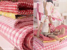 Rosa Rot blog Maileg Bunny, Cottage Style Decor, Himmelblau, Tea Towels, Pretty In Pink, Gingham, Vintage Dresses, Little Girls, Polka Dots