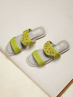 Bunion Remedies, Wedding Shoes Bride, Kurti Neck Designs, Sewing Tutorials, Jute, Green And Grey, Casual Shoes, Fashion Shoes, Slip On