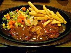Resep Steak Daging Sapi Rumahan,resep steak,daging sapi,saus barbeque,cara membuat,steak daging,sapi panggang,daging sapi crispy,resep beef,beef steak,lada hitam,steak ayam,steak tahu,cara mengolah, Healthy Vegetable Recipes, Healthy Vegetables, Good Healthy Recipes, Healthy Chicken Recipes, Healthy Dinner Sides, Healthy Meals For One, Bbq Steak, Chicken Steak, Steak Recipes