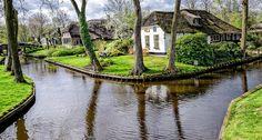 Giethoorn, cerca a Amsterdam, uno de los pueblos más hermosos del mundo.