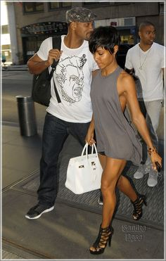 """Jada's legs look awesome in this photo!!! """"Jada Pinkett Smith's Celebrity Fitness and Diet Tips"""""""