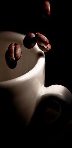 Coffee Talk, I Love Coffee, Coffee Break, Morning Coffee, Coffee Shop, Coffee Lovers, Chocolates, Coffee Drinks, Coffee Cups