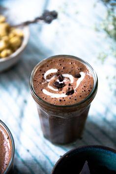 Wellberries | Cashew hot chocolate with Cashew Cream - vegan hot chocolate!