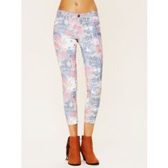 Blank NYC Jeans Floral, ankle length. Runs small Blank Denim Jeans Skinny