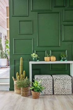 Accent Wall Color Ideas – Accent Wall Design Apartment Therapy - Home decor Green Accent Walls, Accent Wall Colors, Accent Walls In Living Room, Living Room Green, Living Room Paint, Bedroom Green, Green Accents, Painted Accent Walls, Living Rooms