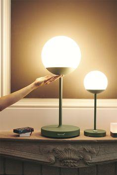 Combo Design is officieel dealer van Fermob ✓ Jouw tuinverlichting van Fermob makkelijk te bestellen ✓ Gratis verzending (NL) ✓ Snelle levertijd Light App, Smart Lights, Luminous Flux, Street Lamp, Colorful Garden, Custom Lighting, Exterior Lighting, Metal Furniture, Led Lamp