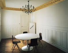 Mathias Kiss, Attilalou & Galerie Armel Soyer...ceiling molding painted gold...so glam
