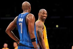 Kobe Bryant and Lamar Odom Photo - Dallas Mavericks v Los Angeles Lakers