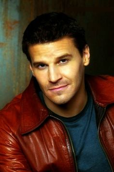 "mystyca: "" David Boreanaz ღ "" Hot Men, Sexy Men, Hot Guys, Bones Actors, Bones Booth And Brennan, Fbi Special Agent, Hot Vampires, Pretty Men, Nice Men"