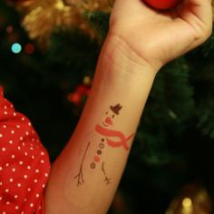 What to do during Xmas? Make your snow man, of-course. And how? Here's how- with Gumtoo snow man tattoos. - #christmas #temporary #tattoo