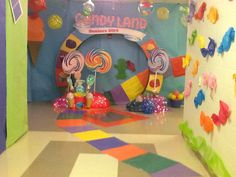 whereismymind Candy Land Hall Dekorationen Candy Land Hall Dekorationen A Seas School Decorations, Flower Decorations, Hall Decorations, Halloween Decorations, Candy Land Decorations, Halloween Door, Christmas Decorations, Candy Theme Birthday Party, Candy Land Theme