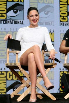 Explore famous, rare and inspirational Gal Gadot quotes. Here are the 10 greatest Gal Gadot quotations on acting, talent, life and success. Gal Gadot Wonder Woman, Wonder Women, Famous Women, Mannequins, Beautiful Actresses, Sexy Legs, Girl Crushes, Actors & Actresses, My Girl