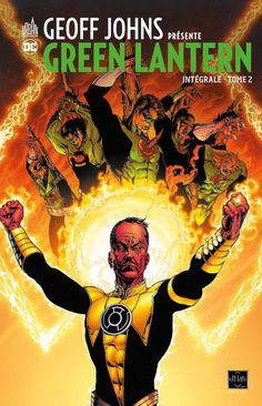 GEOFF JOHNS PRESENTE GREEN LANTERN INTEGRALE n°2 (21 avril 2017) // Pour une raison qu'il ignore, Hal Jordan voit sa tête mise à prix et devient la proie des chasseurs de primes de toute la galaxie. Pourra-t-il leur échapper, et sera-t-il aidé ou emprisonné par les Gardiens du Globe ? En parallèle, le retour de ses ennemis, Star Sapphire et Sinestro, ne lui laissera pas un temps de répit ! Contenu : Green Lantern 14-25, GLCorps 14-18, Sinestro Corps Special 1 #urban #comics #geoff #johns…