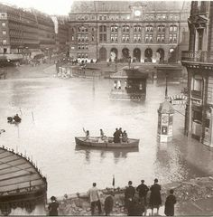 Flooding of the Seine ~ Gare de Saint-Lazare, Paris 1910