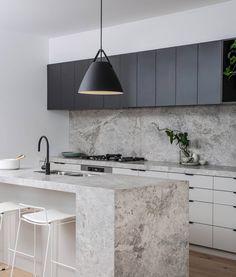 21 Modern Kitchen Ideas Every Home Prepare Needs to See Home Decor Kitchen, Kitchen Interior, Kitchen Ideas, Black Kitchens, Home Kitchens, Interior Design Inspiration, Home Interior Design, Kitchen Benches, Modern Kitchen Design