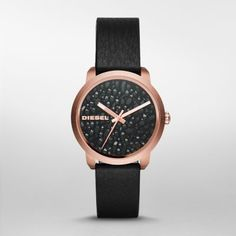 Flare Sparkle on in the ladies' Diesel Flare watch. A rich black metallic geode dial with rose gold-tone indexes is paired with a rose gold-tone case and black leather strap for a fiercely fabulous look.
