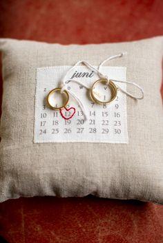 Shop! Hartjes corsages, kalender ringkussentjes, ribbon wands, backdrops en meer vintage! | Back to Style