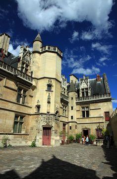 Hotel de cluny entrance - Musée de Cluny — Wikipédia París Francia.