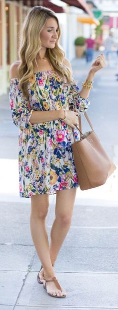 Take a look at the best college fashionista in the photos below and get ideas for your outfits! Blonde Expeditions Floral Off The Shoulder Little Dress Image source Cute Summer Outfits, Spring Outfits, Casual Outfits, Cute Outfits, Fashion Outfits, Summer Dresses, Fashion Ideas, Casual Wear, Fashion Trends