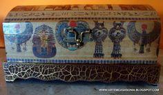 http://artemcasasonia.blogspot.com.br/2013/06/bau-porta-ao-joia-egipcio.html