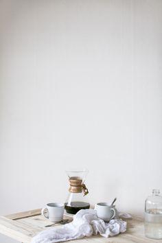 Make your own gourmet coffee start with the beans. Gourmet Coffee beans can be bought by the pound. Coffee Club, Coffee Love, Coffee Break, Morning Coffee, Coffee Shops, Sunday Morning, Chemex Coffee, Coffee Drinks, Latte Art