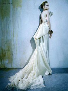 Vogue Italia by Steven Klein Editorial Valentino Haute Couture: Automne/Hiver 2008-09, Winter 2008 Shot #3