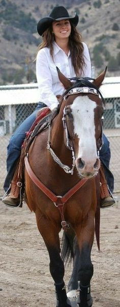 Cowgirl And Horse, Sexy Cowgirl, Western Girl, Western Riding, Cowboy And Cowgirl, Cowgirl Style, Horse Riding, Cowgirl Hats, Cowgirl Chic