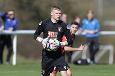 Aaron Ramsdale won the race to become AFC Bournemouth's first-choice goalkeeper for the Afc Bournemouth, Sheffield United, One Team, Goalkeeper, Soccer, England, Sports, Goaltender, Hs Sports
