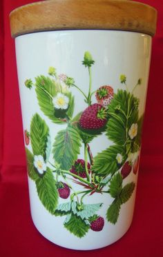 "Portmeirion SUMMER STRAWBERRIES 8-1/4"" Tall Flour Canister w/wooden lid"
