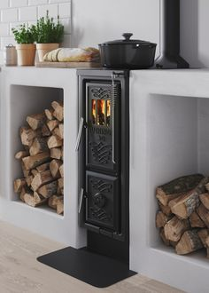 Wonderful No Cost Wood Stove scandinavian Strategies Whilst lumber is the most eco-friendly warming strategy, the idea under no circumstances is apparently discuss. Interior And Exterior, Interior Design, Cottage In The Woods, Stove Fireplace, Scandinavian Interior, Furniture Makeover, Sweet Home, New Homes, Home Appliances