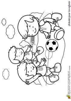 Coloriage d'enfants jouant au foot