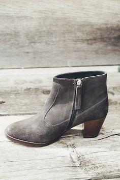 Cara Shoes // SORORITY