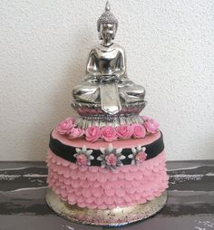 ruffle buddha cake