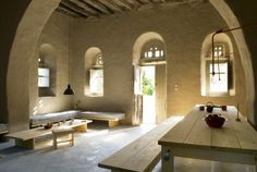 Rental house in Loutra, Tinos. A 100 year old traditional Cycladic stone house with a ceiling metres high. Cob House Plans, Casa Cook, Interior Architecture, Interior Design, Sustainable Architecture, Residential Architecture, Contemporary Architecture, Italy House, Greek House