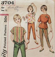 Check out this item in my Etsy shop https://www.etsy.com/listing/290274789/1960s-vintage-sewing-pattern-simplicity