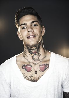 Image shared by nadine. Find images and videos about emis killa on We Heart It - the app to get lost in what you love. Boxing Tattoos, Italian Artist, My Children, Persona, My Idol, Find Image, We Heart It, Rapper, Hair Cuts