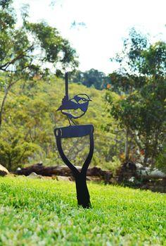 Metalscape Metal Garden Art Wren 3 on Spade