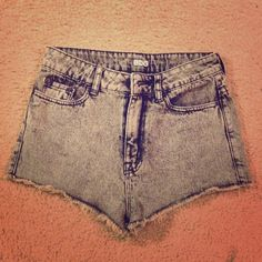 BDG high waisted shorts bought from urban outfitters last year, but I've never worn them. unfortunately I took the tags off before I realized I don't like how cheeky they are. but these shorts are super cute! size 26, which is also a size 3. 10% off all bundles(: Urban Outfitters Shorts