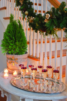 A Country-Chic Christmas - Mobile Bay - December 2012 - Alabama ... Great idea: a slim table near the stairs for beverages