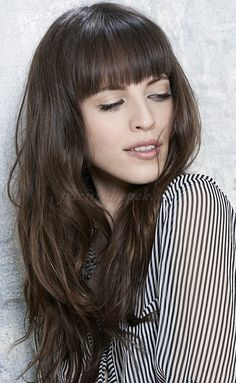 női frizurák hosszú hajból - hosszú haj frufruval