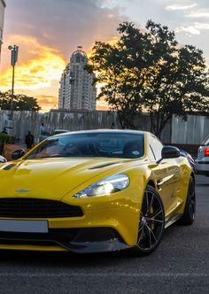 Aston Martin Vanquish ❇