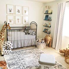18 Ideas for baby nursery neutral safari Baby Bedroom, Baby Boy Rooms, Baby Boy Nurseries, Nursery Room, Girl Nursery, Nursery Decor, Safari Theme Nursery, Giraffe Nursery, Black Crib Nursery