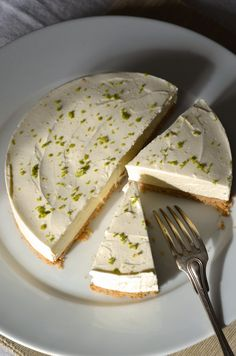 No Bake Limetten Käsekuchen Rezept Tangerine Zest Lime Cheesecake, Cheesecake Recipes, Cheesecake Brownies, Köstliche Desserts, Dessert Recipes, Savoury Cake, Cheesecakes, Clean Eating Snacks, Sweet Recipes