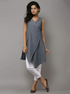 Our shrugs are the perfect technique to slightly include warmth to effectively an outfit while still looking stylish.Charcoal Grey Cotton Angarakha Tunic by the Wooden ClosetRedesign for winter with full slevesGet along an occasion look utilizing a s Shrug For Dresses, Casual Dresses, Fashion Dresses, Kurta Designs, Blouse Designs, Indian Dresses, Indian Outfits, India Fashion, Indian Designer Wear